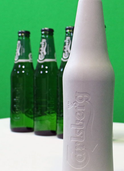 Green-Fiber-Bottle-carlsberg packaging design