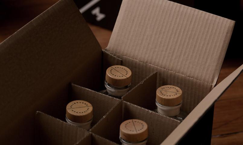 墨尔本月光烈酒盒包装设计